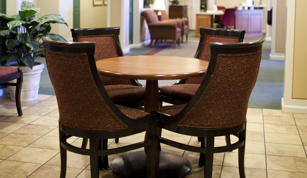 Santa Maria assisted living dining room
