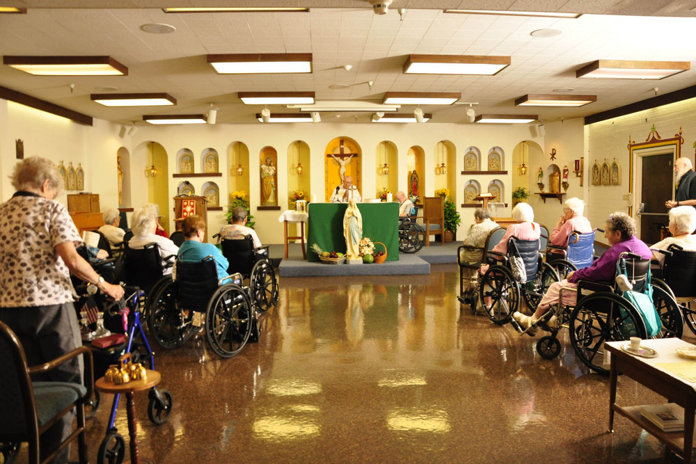 Senior living in Tucson offers church services