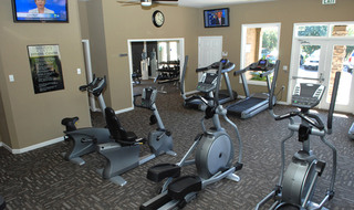 Fair Oaks California apartments workout room