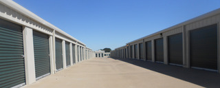 Exterior units at self storage facility in Waco,TX