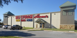 Exterior of self storage facility in Waco,TX