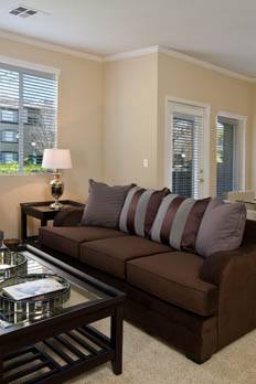 Fully furnished corporate apartments in Riverside at Castlerock at Sycamore Highlands