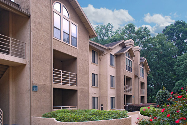 one bedroom apartments inside the Perimeter