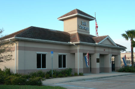 Exterior view of Bradenton FL self storage