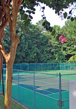 Tennis court at Dunwoody Crossing