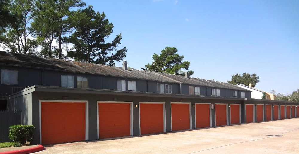 Garages at Houston apartments