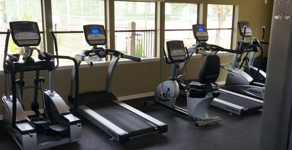 Overland Park offers a workout room at the apartments