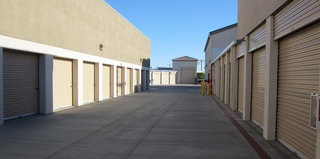 Drive up units at Thousand Palms self storage