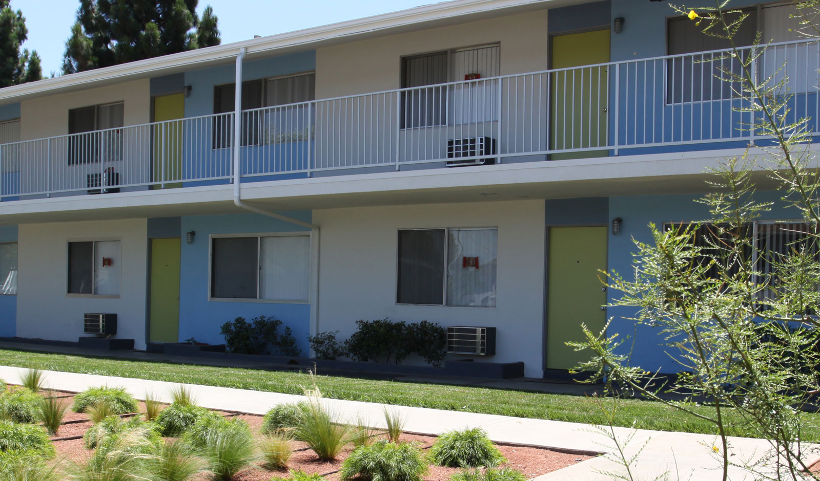 1 2 bedroom apartments in long beach with tanning beds