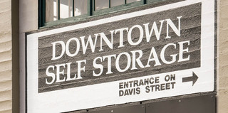 Downtown self storage entry in portland