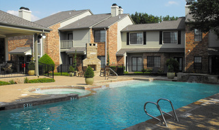 Apartments in Irving with a swimming pool