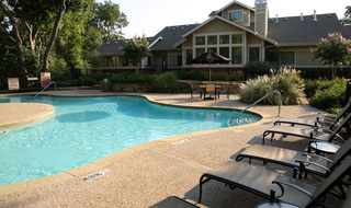 Irving apartments swimming pool