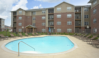 Swimming pool evansville apartments