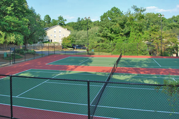 play tennis at Morgan's Landing