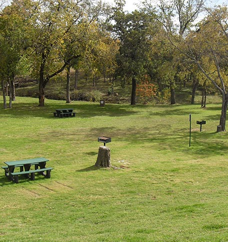 Picnic area at Euless manufactured homes