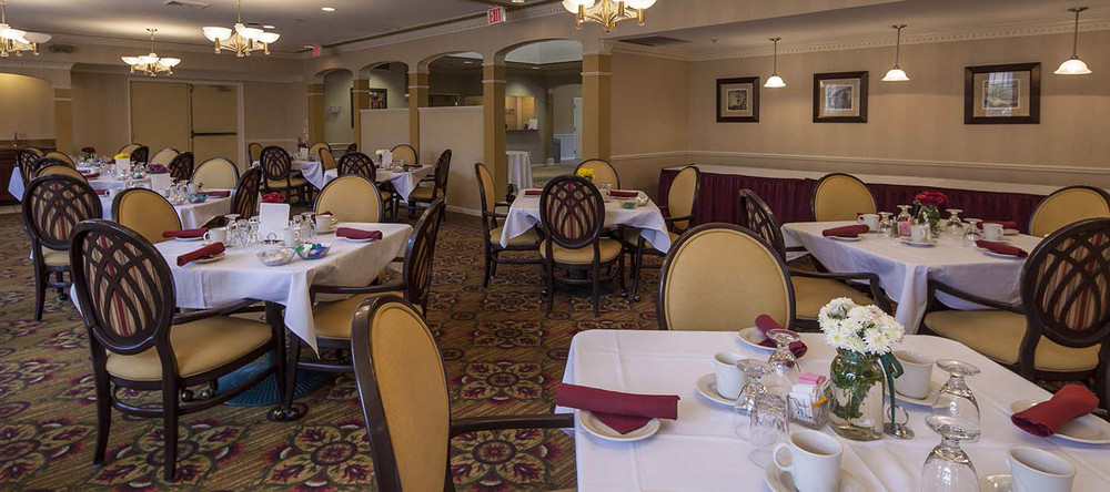 Large dining room space at rochester hill senior living