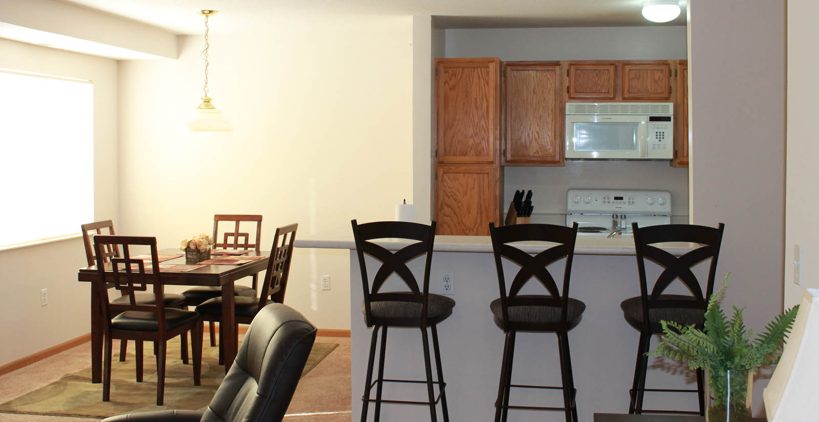 Bright open floor plans apartments pleasant prairie