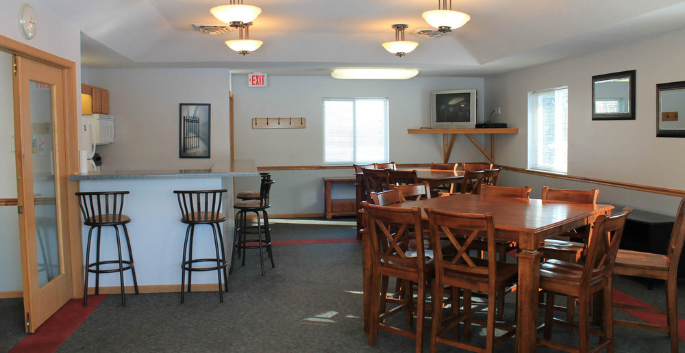 Pleasant Prairie apartments clubhouse lounge