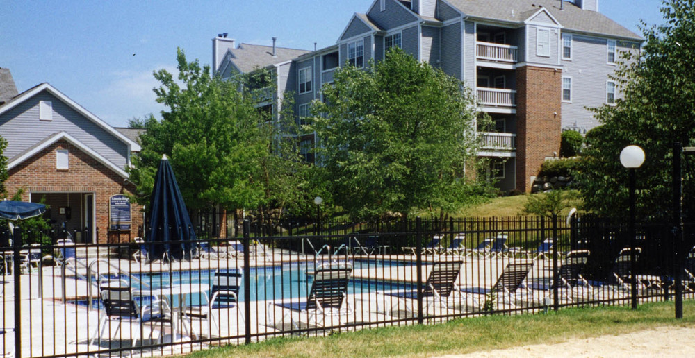 Apartments in Madison swimming pool