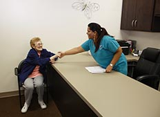 Assistance for Independent Living in Northlake, IL at Concord Place Retirement Community