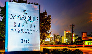 Marquis entrance sign near apartments