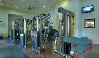 Fitness room at apartments