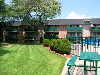 Dearborn Heights apartments exterior