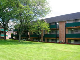 Exterior of Dearborn Heights apartments