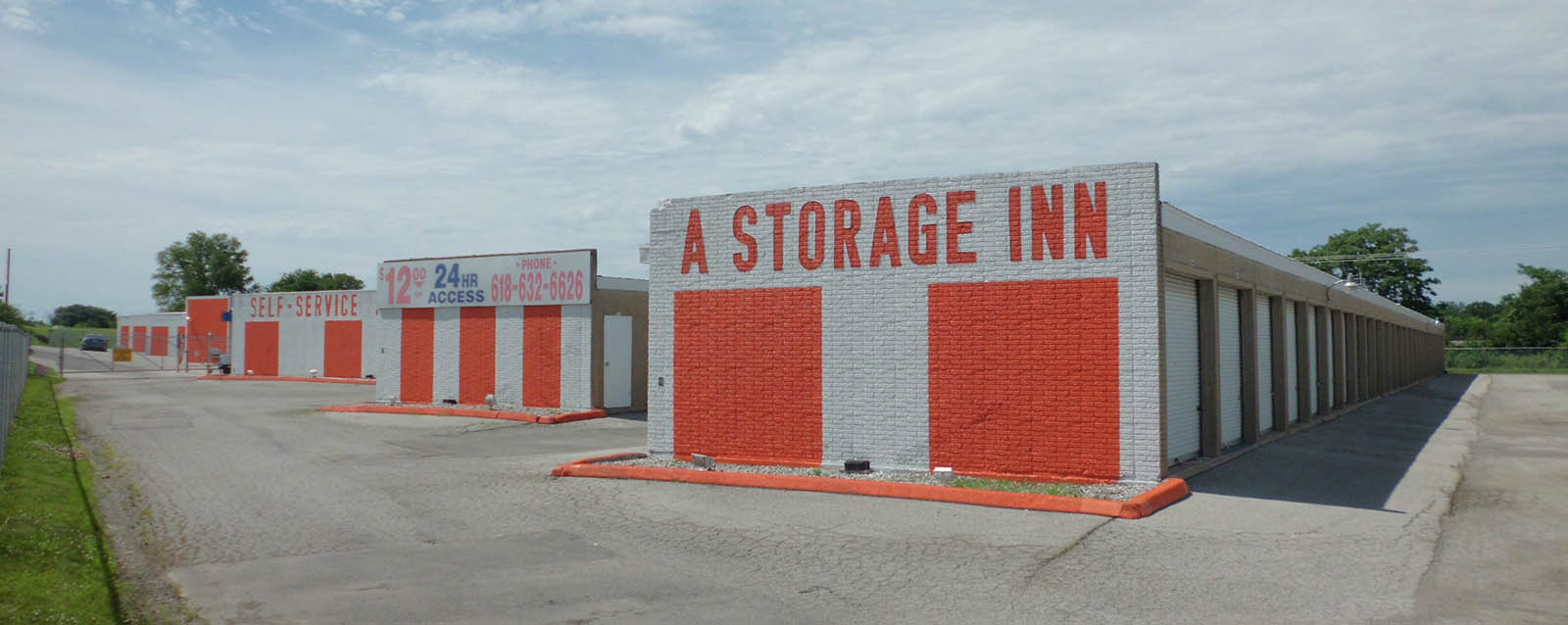 Large 24 hour self storage units in O\'Fallon