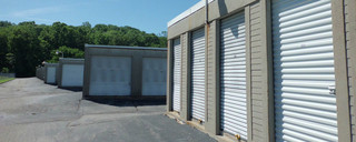 Fenton self storage units