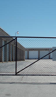Self storage facility features in Saint Charles