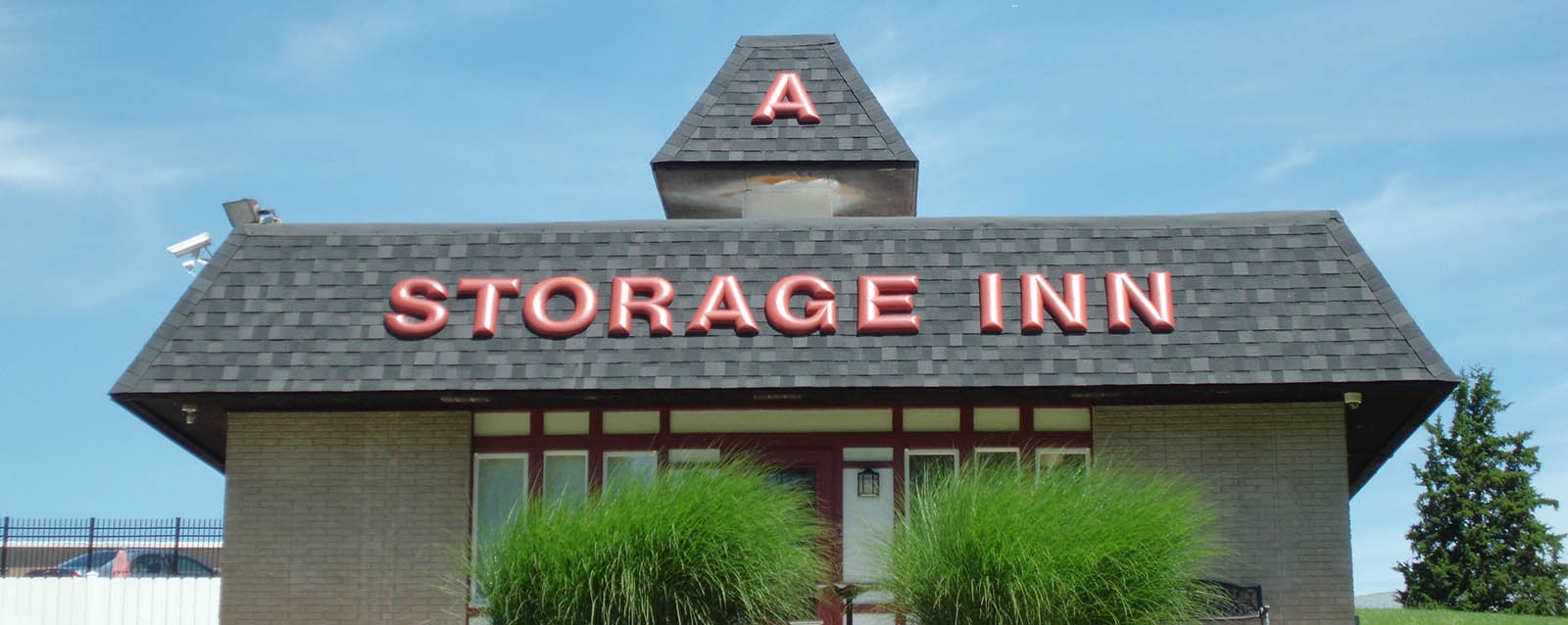 Self storage entry in Clarkson