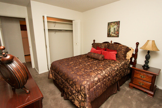 Village green model bedroom 121