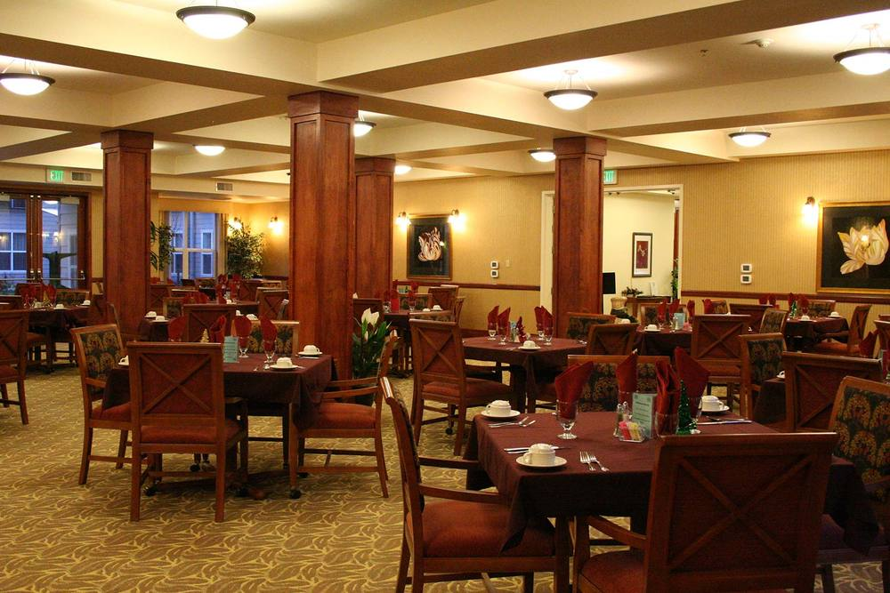 The dining room at Portland senior living