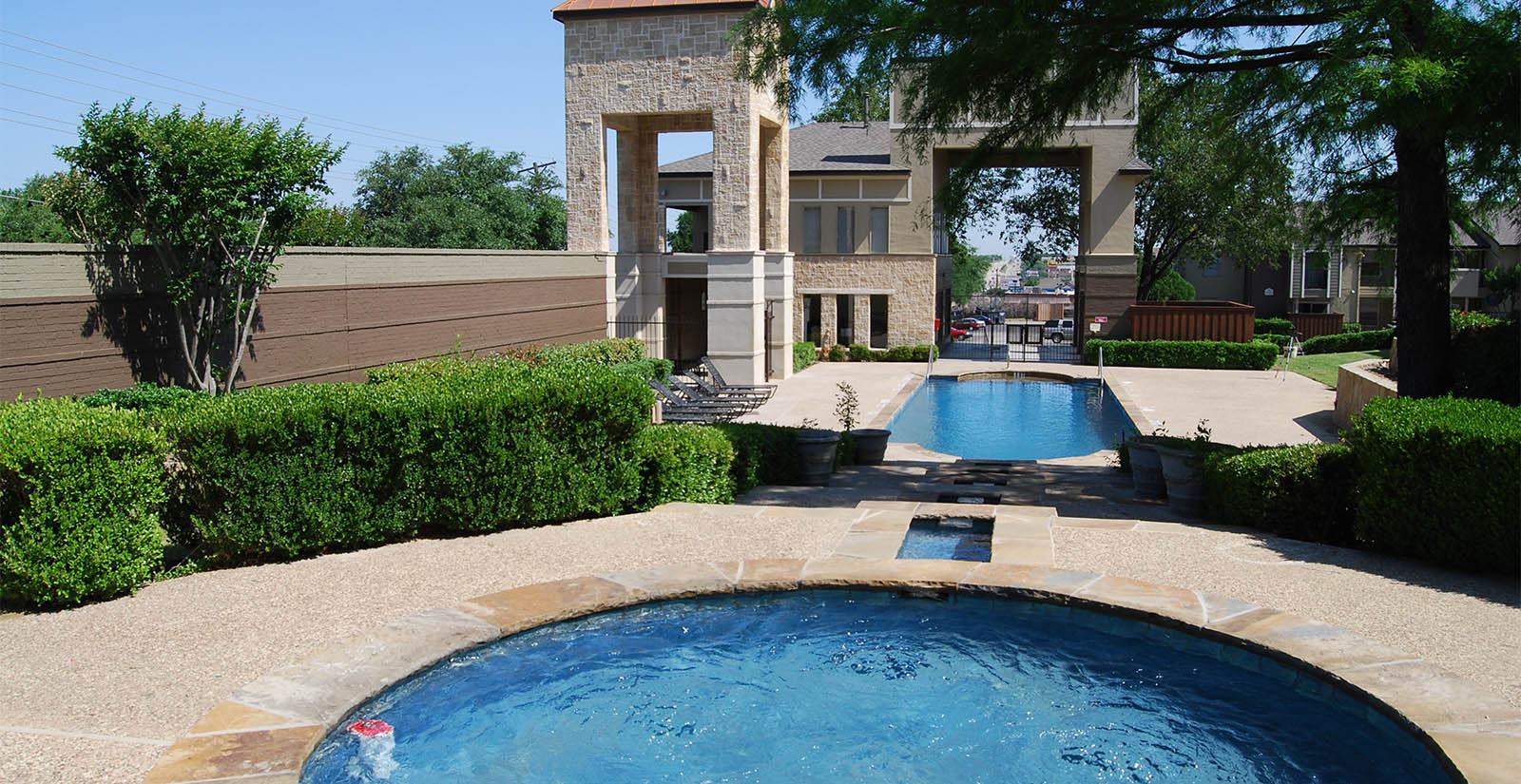 Apartment pool in irving