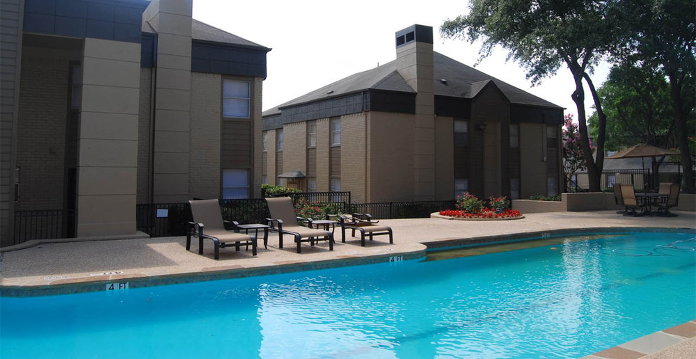 Poolside dallas apartments