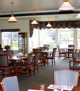 senior living dining in Crescent City