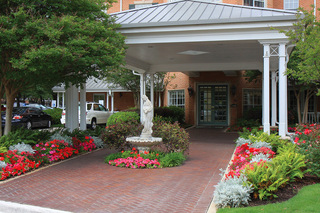 Dallas tx senior living landscaped front
