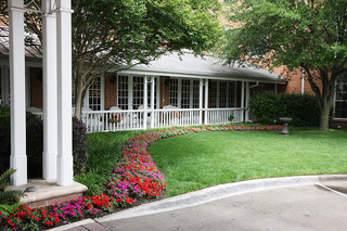 Dallas tx senior living landscaping