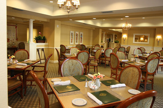 Dining room senior living plano tx