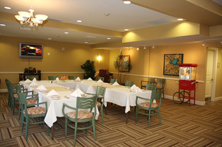 Senior living plano tx dining room
