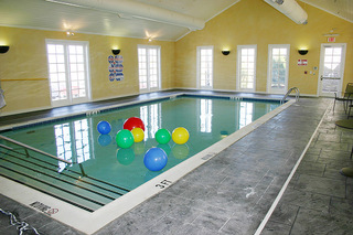 Swimming pool senior living plano tx
