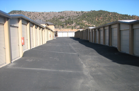 Storage in Manitou Springs has wide driveways