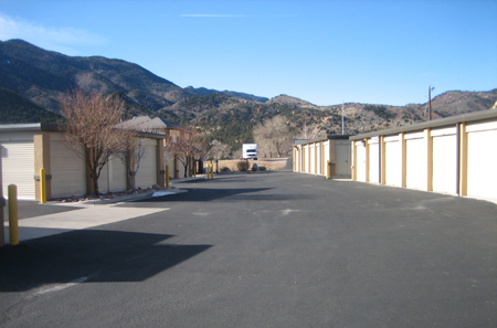 Wide driveways at self storage in Manitou Springs