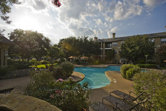 Resort style pool at Chez Moi apartments in Austin
