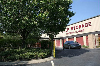 Exterior view of our Nashville self storage units