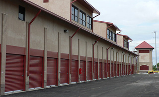 Self storage units in Hendersonville