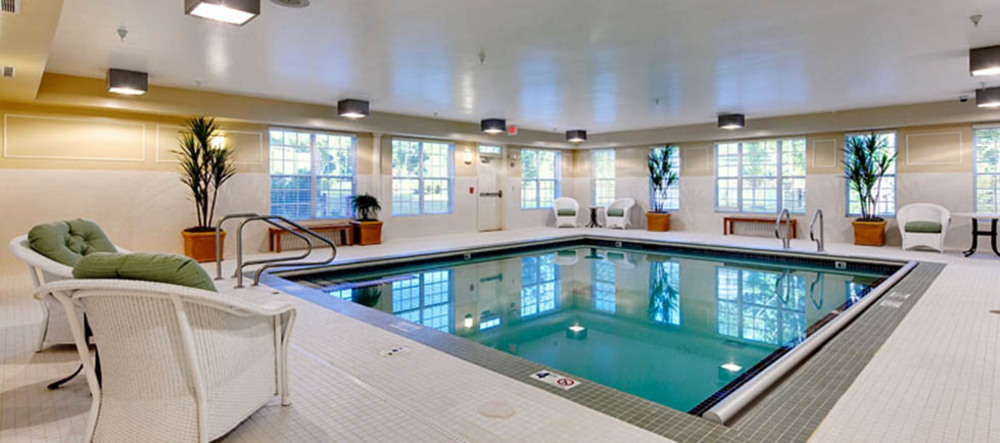 Large swimming pool at ashburn senior living