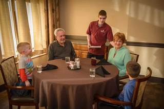 Dining at des moines senior living
