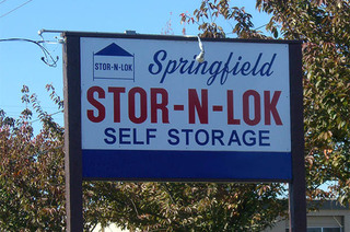 Self storage in springfield roadside sign